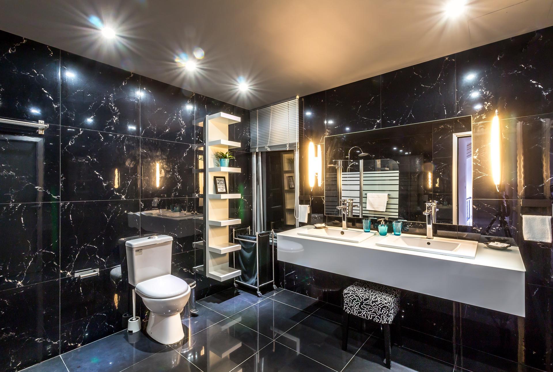 Carrelage noir dans une salle de bain : ce n\'est pas une si mauvaise ...