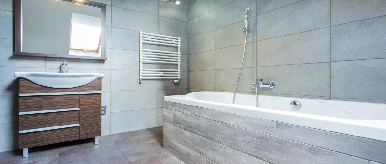 S Offrir Une Salle De Bain élégante Avec Le Carrelage Grès