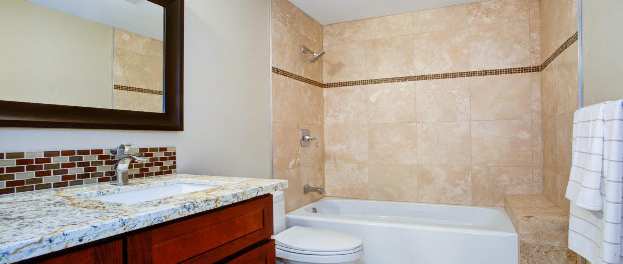 Donnez une impression de grandeur à votre petite salle de bains avec ...