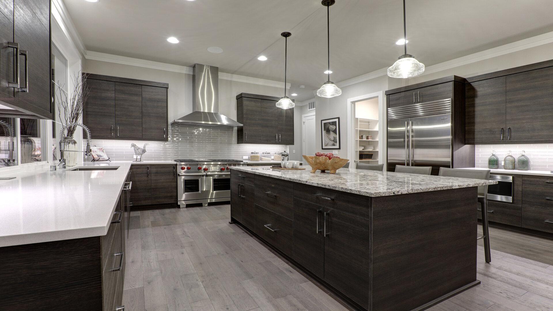 Revêtement dans la cuisine : et si vous optez pour le carrelage adhésif ?