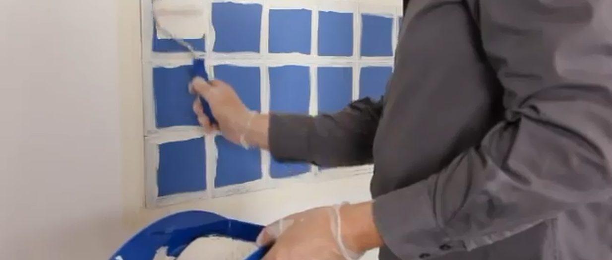 Ce qu'il ne faut pas faire pour peindre le carrelage d'une salle de bains