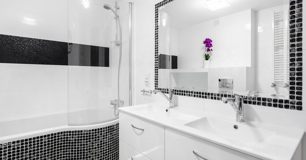 Des astuces pour moderniser votre ancien carrelage de salle de bain